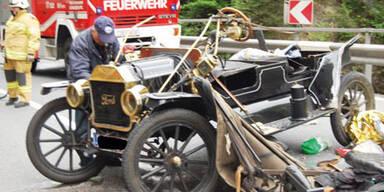 100 Jahre altes Ford T-Modell gerammt