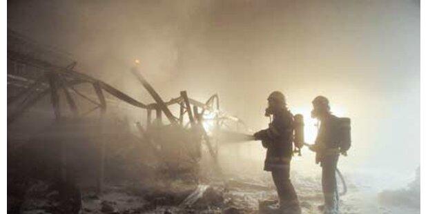 Großbrände durch Böller und Raketen