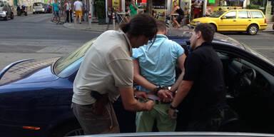 Polizei crasht Schmuggler-Fahrzeug