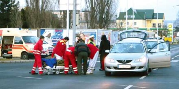 Alkolenker rammte Rollstuhl-Fahrerin