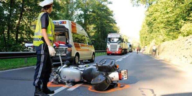 3 Biker starben bei Motorradunfällen