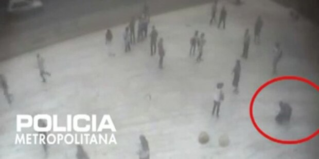 Überwachungsvideo: Fotograf erstochen