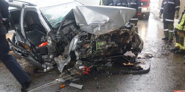 Dreifache Mutter stirbt bei Horror-Crash