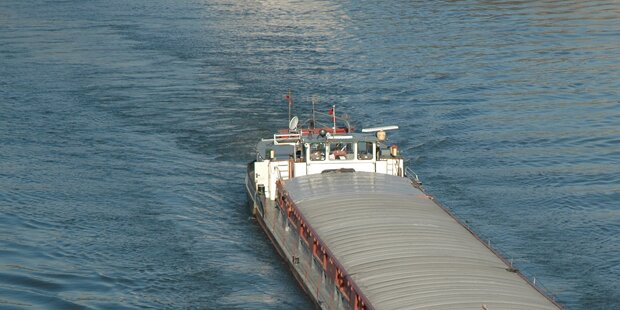 Kapitän ertrinkt in eiskalter Donau
