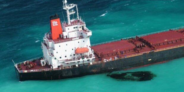 Barrier Reef: Frachter sitzt weiter fest