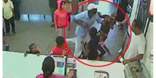 Familienvater verprügelt Kundin bei McDonalds