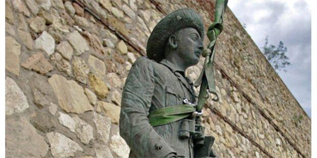 Wirbel um Spaniens letzte Franco-Statue