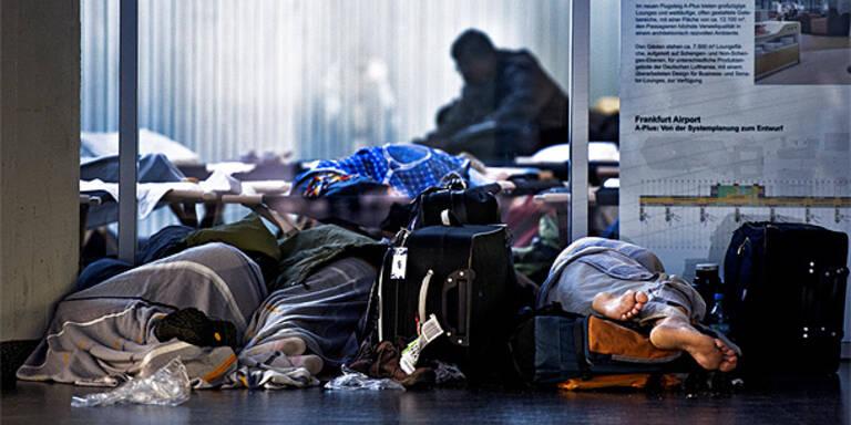 Tausende schliefen am Flughafen