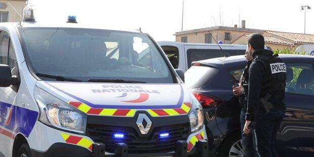 Paris: Mann schnitt Bruder und Vater Kehle durch
