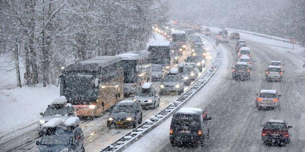 Frankreich-Urlauber sitzen im Schneechaos fest