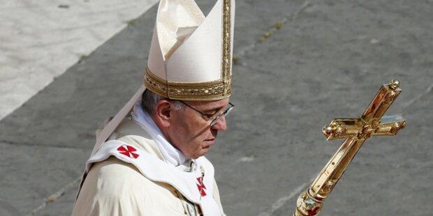 Erste Heiligsprechung von Franziskus