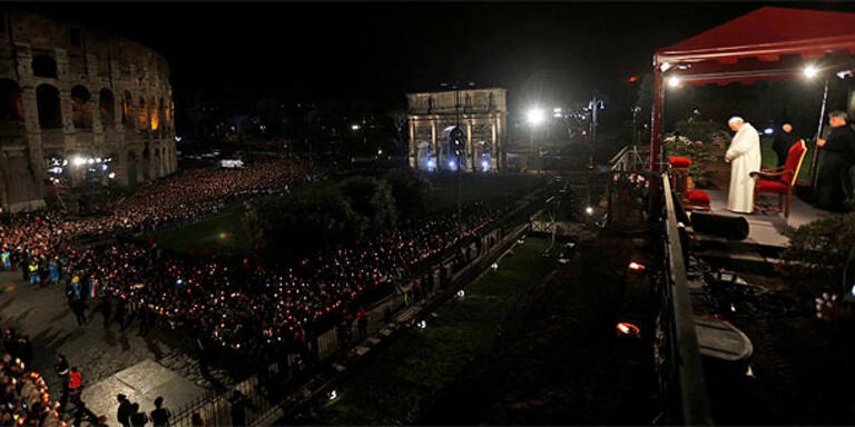 Karfreitag: Kreuzweg mit Papst Franziskus