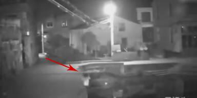 Schock-Video: Frau stirbt wegen Handy
