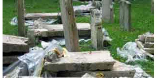 Korneuburger Friedhof völlig verwüstet