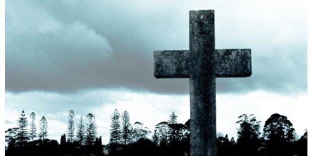 Friedhof in Wien schwer verwüstet