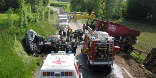 Eltern und 1-Jähriger nach Unfall tot