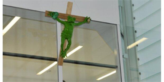 Froschkruzifix: Museumsdirektorin muss gehen