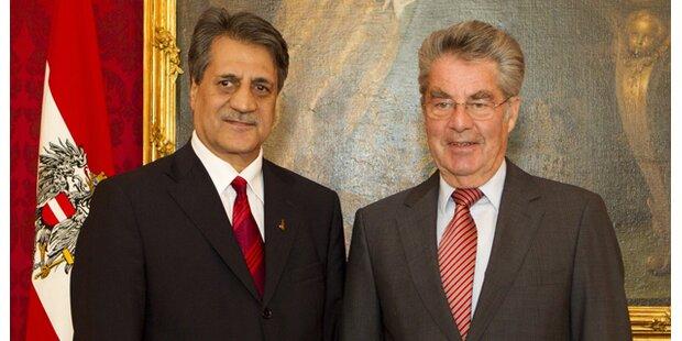 Muslime Präsident Sanac hört auf