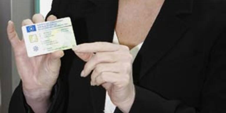Zulassungsschein als Scheckkarte ein Hit