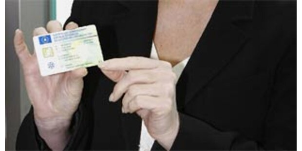 Zulassungsschein im Scheckkartenformat kommt