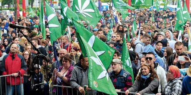 2.000 demonstrieren für Hanf-Freigabe in Wien