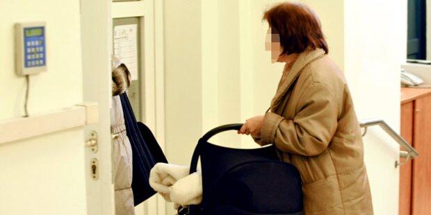 Eis-Lady: Hier bringt ihr Mama das Baby
