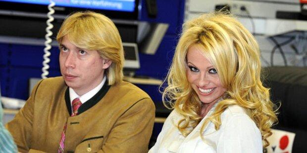 Pamela Anderson erstmals in Tracht