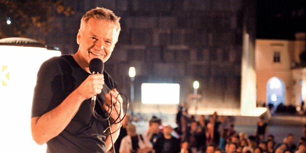 Wolf Haas: Jubel von 3.000 Fans