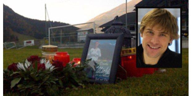 Fußballer brach am Spielfeld zusammen und starb