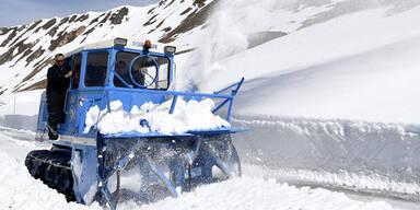 Kopie von Kopie von Schneeräumung auf der Großglockner-Hochalpenstraße