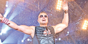 Gabalier: Mega-Show im strömenden Regen