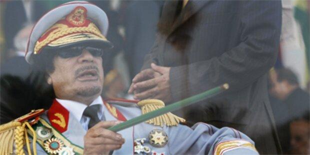 Setzt Gaddafi Austro-Waffen ein?