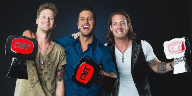Stars mischten die CMT Awards auf