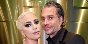 Lady Gaga macht Verlobung offiziell