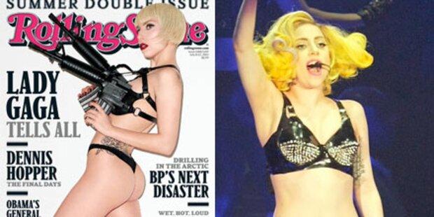 Gaga-Schock: Nackt mit Maschinengewehren