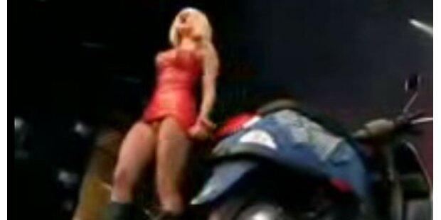 Video: Lady Gaga hat einen Penis!