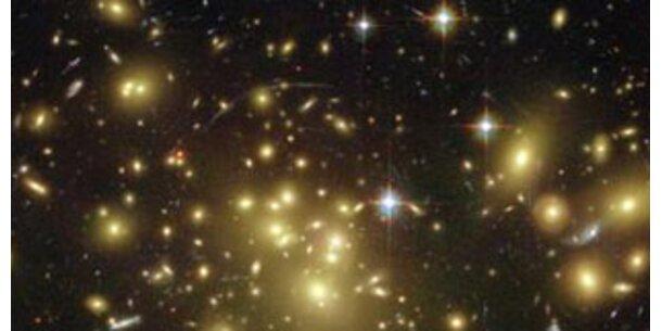 Hubble entdeckt erste Galaxie des Alls