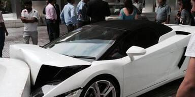 Hotel-Page crasht teuren Lamborghini