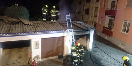 Garagenbrand in Judenburg: Pkw geht in Flammen auf