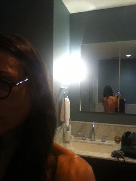 Demi Moore: Nackter Rücken auf Twitter