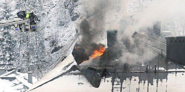 Großbrand: Polizei hat heiße Spur