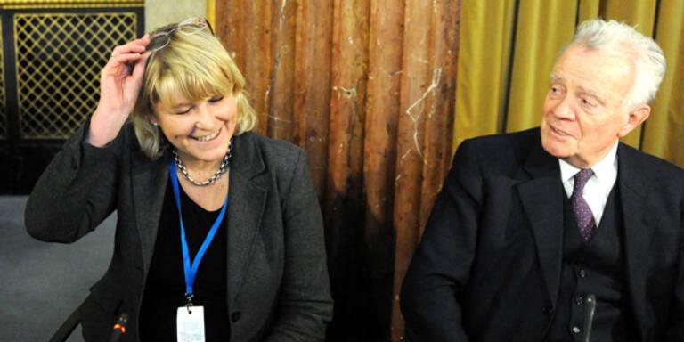 100.000€: Zeugin belastet Ex-Ministerin Gastinger