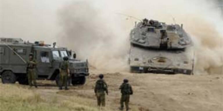 Israelische Panzer dringen in Gaza-Streifen ein