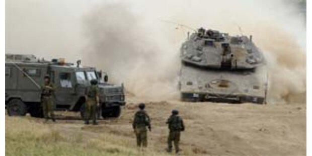 Israelische Panzer rücken in Gaza-Streifen vor