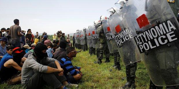 Flüchtlinge sollen Camp Idomeni verlassen