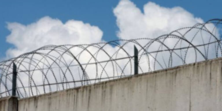 Drei Todesurteile wegen Spionage