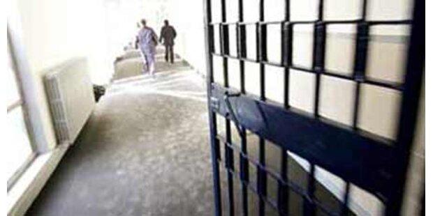 Grazer Häftling zündet seine Zelle an