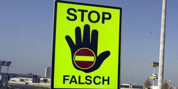 Pole drehte um und wollte flüchten: Polizei stoppte zweimal Geisterfahrer auf Autobahn