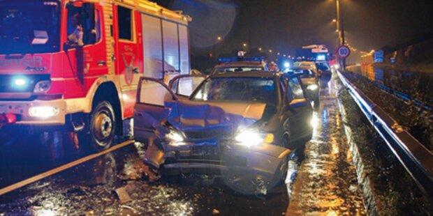 Geisterfahrer-Unfall auf Stadtautobahn