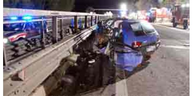 Betrunkene Geisterfahrerin verursacht Unfall